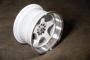 "59°North Wheels D-004 11x18"" ET15 5x100/5x108 white/polished lip"